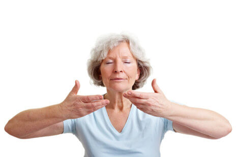 What Seniors Should Know Before Starting Yoga